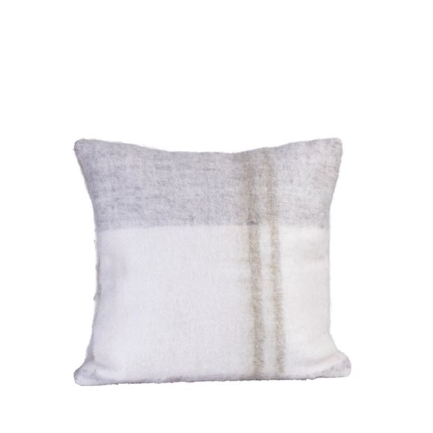 WOOLY Coussin blanc Larg. 45 x Long. 45 cm_wooly-coussin-blanc-larg--45-x-long--45-cm