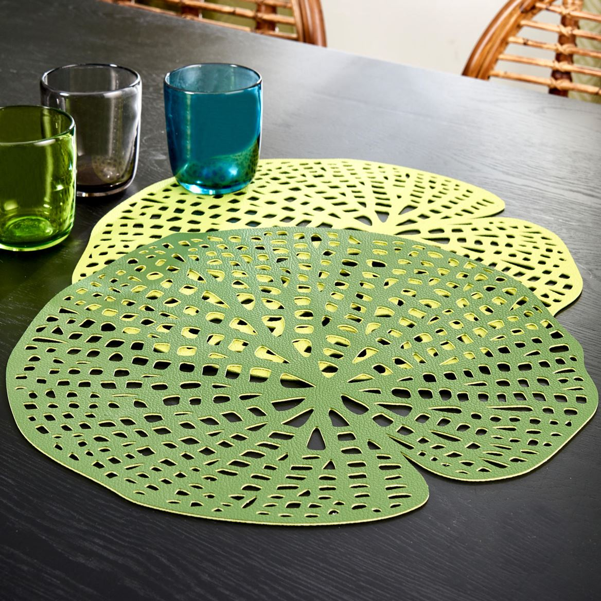 WATER LILY Set de table vert Larg. 38 x Long. 38 cm_water-lily-set-de-table-vert-larg--38-x-long--38-cm