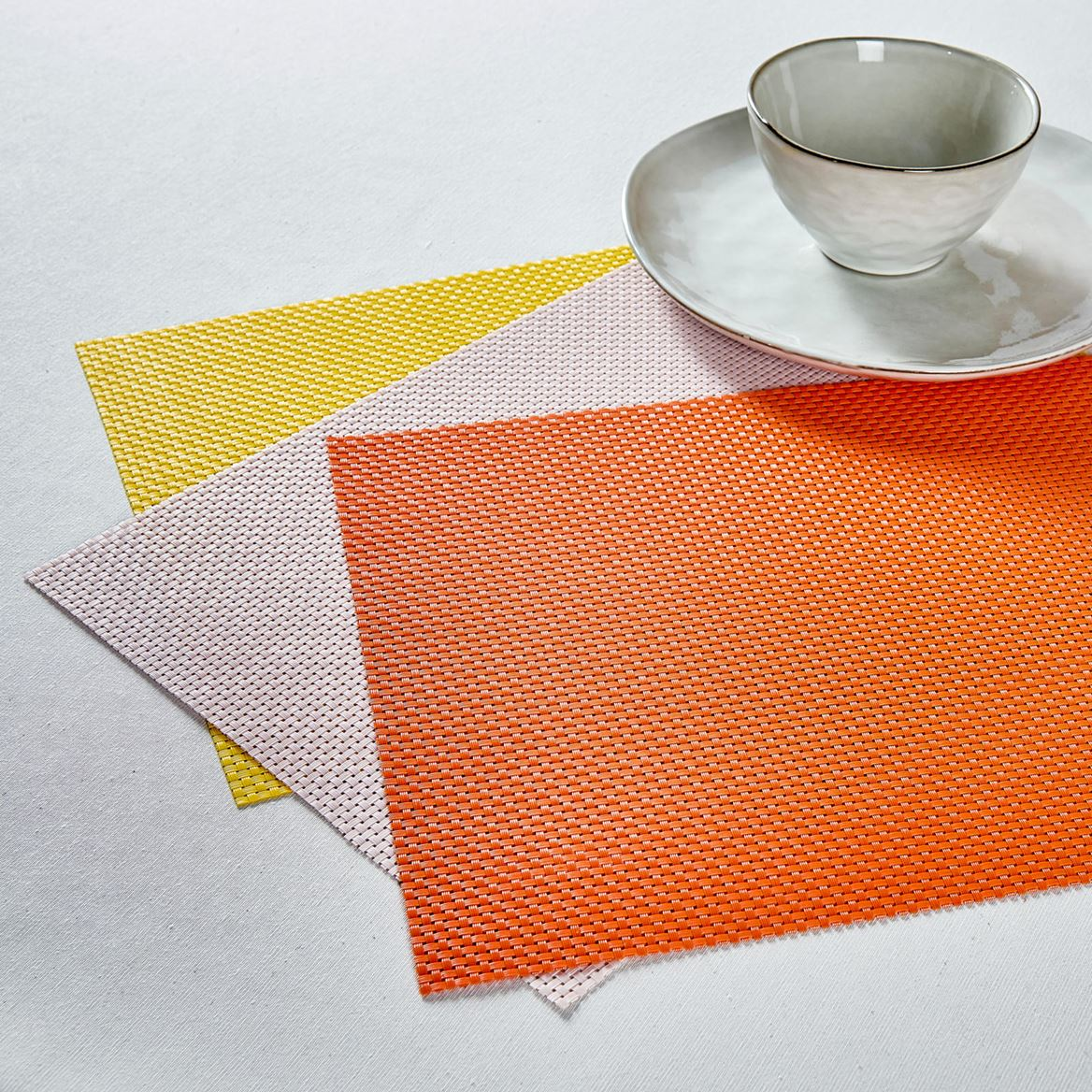 GRID Set de table 3 couleurs orange, jaune, rose Larg. 32 x Long. 45 cm_grid-set-de-table-3-couleurs-orange,-jaune,-rose-larg--32-x-long--45-cm